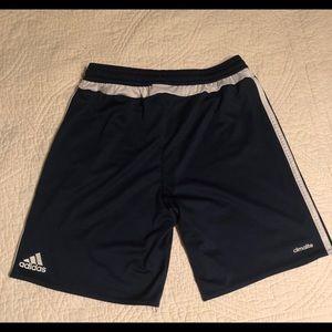 Adidas boy short size M